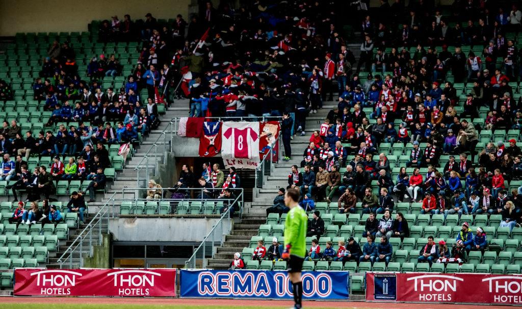 Selv med 0-7 mot Tromsø fortsatte vi å lage liv fra tribunen. (Foto: Lars Opstad / kladd.no)